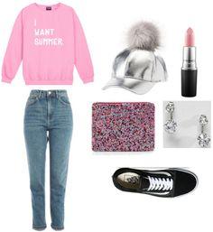 How to Wear a Pom Pom Baseball Cap - College Fashion