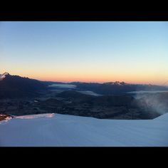 Photo by melissajaynexoxox  #sunrise #homesick #coronetpeak #queenstown #newzealand #beautiful #instamood #instagood #watababe #loverly #morning #sunshine #blueskyday #lake #snow #mountain
