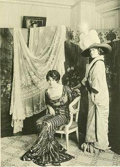 1910, modiste advertising photo