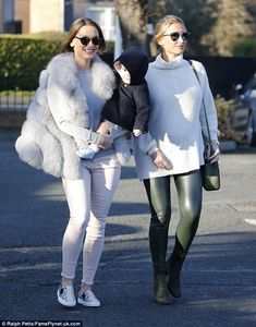 Family af-Faiers:Billie Faiers looked every inch the glowing mother-to-be as she stepped ...