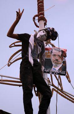 42 dead in Cairo, army blames Morsi supporters
