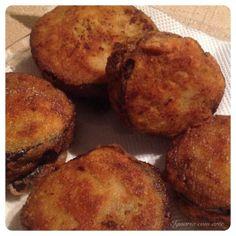 Empanado surpresa de beringela com carne com recheio de queijo e tomate seco