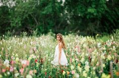 This Naples Florida senior photoshoot took place at the most beautiful location in Naples. Farmer Mikes U Pick is such an awesome spot. I mean com'n who can say no to a flower field! We tooksome ridiculously stunningphotos and bought some fresh produce for dinner. Two things in one, I like…