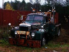 Mack B Model with Holmes 750 Wrecker