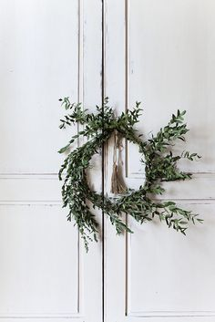 nicole franzen wreath - home winter christmas Noel Christmas, Simple Christmas, Winter Christmas, Winter Holidays, All Things Christmas, Christmas Wreaths, Christmas Crafts, Christmas Decorations, Xmas