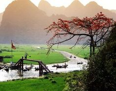 Huong Pagoda, a famous landscapes and a historical culture - Around Vietnam Vietnam Voyage, Vietnam Travel, Hanoi Vietnam, Vietnam Destinations, Ho Chi Minh City, Images, Country Roads, Culture, Explore