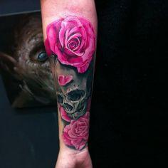 Sugar skull ~ hot pink roses