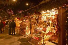 Bern Christmas Market - More Christmas Markets on @ebdestinations Christmas Carol, Christmas Holidays, Christmas Markets Europe, Amazing Destinations, Berlin, Beautiful Christmas, Backdrops, Marketing, Holiday Decor