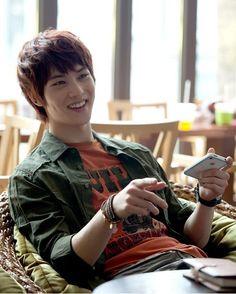 Lee Jonghyun , cnblue yer more pics of jonghyun he he