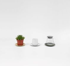 UFO, a stepped tray that fits most round homeware, such as cups, candles and flowerpots. #mwa #makerswithagendas #mwadesign #agendadrivendesign #mwagram #madeindenmark #multiuse