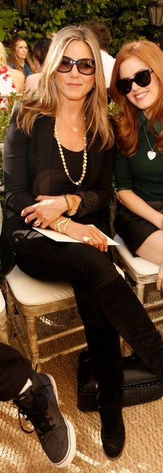jennifer aniston - all black, tom ford sunglasses, & jennifer meyer gold necklace.