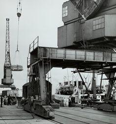 Harlingen - fotograaf F.C.D. Popken Merchant Navy, Merchant Marine, Container Hotel, Old Port, Was, Sailing Ships, Fair Grounds, World, Travel