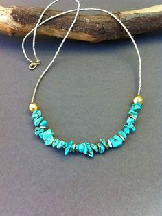 Turquoise Chip Necklace. Seed Beaded Necklace. Turquoise Chip, Silver, Gold. Semi Precious Necklace. Summer Necklace.                                                                                                                                                                                 Más