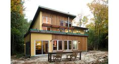Strawbale house with solar power solar hot water a for Maison container 50000