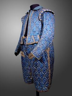 Parade costume of Christian II, Elector of Saxony (1583-1611) The construction and embroidery probably Saxon, Dresden, the fabric possibly Italian, beginning of the 17th century, between 1601 and 1609 Rüstkammer, Staatliche Kunstsammlungen, Dresden, i.7