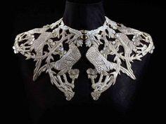 Art Nouveau silver necklace collar with cockerels by Rene Lalique (France, 1860-1945).