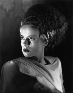 Elsa Lanchester (Lewishan, Londres, Inglaterra; 28 de octubre de 1902 - Woodland Hills, Los Ángeles, Estados Unidos; 26 de diciembre de 1986) fue una actriz británica conocida por su papel en la película La novia de Frankenstein (1935), en la que era la novia del monstruo, y por ser Katie Nanna la niñera a quién Mary Poppins reemplaza en la película Mary Poppins (1964).