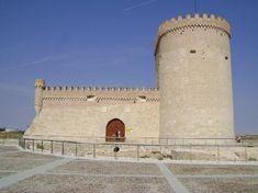 Castillo de Arévalo (Arévalo - Ávila): En el siglo XVI, el castillo fue convertido en prisión. Guillermo de Orange, príncipe de Nassau, fue uno de los más importantes presos del castillo.