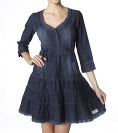 Thors lovely dress has roade on Therese back.