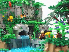 The Temple of the Twin Jaguars. Mark of Falworth Legos, Hamma Beads 3d, Lego Memes, Lego Tree, Lego Village, Lego Minecraft, Lego Moc, Lego Creative, Lego Display