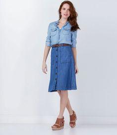 Saia feminina  Modelo midi  Abotoamento frontal  Com bolsos  Marca: Marfinno  Tecido: jeans  Composição: 67% viscose e 33% algodão  Modelo veste tamanho: 36         COLEÇÃO VERÃO 2016       Veja outras opções de    saias femininas.