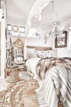 A modern rustic bedroom is one that involves a decor that has to do with a little bit of chic and a little bit of country style. #rusticbedroom #rustichome #bedroom Bohemian Bedroom Decor, Cozy Bedroom, Home Decor Bedroom, Bedroom Ideas, Master Bedroom, Bohemian House, Modern Bohemian, Bohemian Chic Decor, Bohemian Room