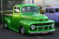 '52 Ford pickup