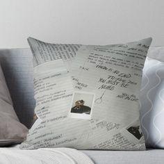 XXXTENTACION 17 ALBUM COVER Throw Pillow