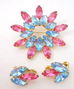 Vintage-Brooch-Earrings-Demi-Parure-Marquise-Light-Blue-Pink-Rhinestones-Prong