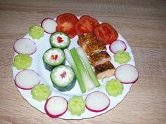 Low Carb Sushi  Dir Gurke ist mit frischkäse gefüllt