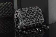 Matoohandmade Bubble 4 Ways to Wear Crochet Bags, Chanel Boy Bag, Bubbles, Shoulder Bag, How To Wear, Fashion, Crochet Purses, Moda, Fashion Styles