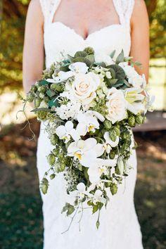 #bouquet Photography: Jacquelynn Brynn Photography - jacquelynnbrynn.com Floral Design: Bloomers - acebook.com/BloomersFlowersWenatchee Read More: http://www.stylemepretty.com/2013/06/19/diy-backyard-wedding-from-jacquelynn-brynn-photography/