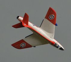 Hawker Hunter in RAF display colours Military Jets, Military Aircraft, Fighter Aircraft, Fighter Jets, Airplane Drawing, Plane Photos, Old Planes, Kitty Hawk, Fire Powers