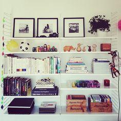 rumochrabalder's photo on SnapWidget - bookshelf