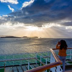 It's the weekend LET'S GO cruising 👍 Image P&O Cruises ❤️ #pocruises #weekend #cruising P&o Cruises, What Inspires You, Inspire Others, Niagara Falls, Letting Go, Traveling By Yourself, Travel Inspiration, Nature, Image