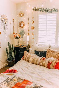 Home Interior Decoration .Home Interior Decoration Decoration Bedroom, Bohemian Bedroom Decor, Wall Decor, Decorating Walls In Bedroom, Room Ideas Bedroom, Cozy Bedroom, Bed Room, Bedroom Designs, Modern Bedroom