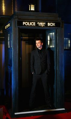 David Tennant (love the suit!)