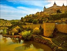Toledo: 2 noches, desayunos y cenna 95€
