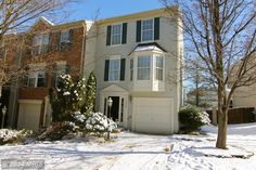 The E4Realty Group's first new listing of 2014! Today is the first day on the market for this beautiful 3 bedroom, 2.5 bathroom, end-unit townhome in Ashburn brought to you by Eric Pearson.  Click on the pin for more  photos!