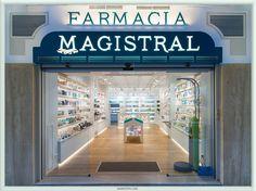 Diseño entrada Farmacia Magistral, Murcia