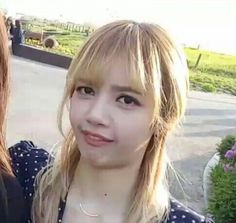 Who knows the buck tooth girl meme? Close enough?  #blackpink #lisa