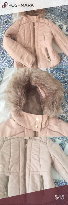 Baby Pink Fur Puffer H&m Puffer with medium thickness. Not too heavy but not too light. Perfect for the fall to winter transition. Dry cleaned prior to selling! Fur in great condition. There is one small mark under the right armpit. Gold tone accents. Size 4 which fits a size S. H&M Jackets & Coats Puffers