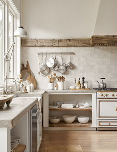 Country Home Decor Beautiful Kitchen.Country Home Decor Beautiful Kitchen Kitchen Interior, French Kitchen, Kitchen Inspirations, Home Decor Kitchen, Kitchen Remodel, Kitchen Decor, Home Remodeling, Country Kitchen, Home Kitchens