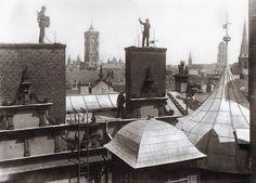 Willy Römer, Schornsteinfeger über Berliner Dächern bringen auch kein Glück mehr, 1934.