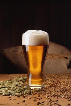 Olut on merkittävä työllistäjä - pellolta kuluttajille asti.  http://www.mynewsdesk.com/fi/panimoliitto/pressreleases/panimotoimialalta-katosi-3-100-tyoepaikkaa-kahdessa-vuodessa-1130875