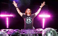 Notitur.: David Guetta fue el alma de la fiesta de la movida... http://destinosdeluruguay.blogspot.com/2015/01/david-guetta-fue-el-alma-de-la-fiesta.html