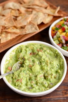 For the guacamole fans who want to save the syns, this Pea Guacamole is the ultimate side for all your Mexican main dishes. Healthy Comfort Food, Best Comfort Food, Healthy Eating Tips, Healthy Nutrition, Healthy Recipes, Drink Recipes, Healthy Food, Slimming World Dips, Slimming Eats