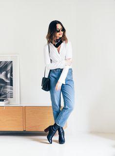 Mum Jeans - Johanna P. I Love Fashion, Fashion 2020, 90s Fashion, Fashion Photo, Womens Fashion, Spring Summer Fashion, Spring Outfits, Jean Outfits, Casual Chic