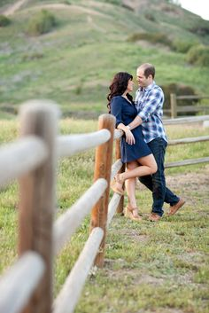 Dreamy rustic engagement shoot in the fields with Jennifer Bagwell Photography & The Frosted Petticoat