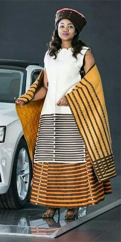 We have the latest modern Xhosa dresses online on Sunika. Discover Top Xhosa dresses designers in South Africa for your next outstanding Xhosa Wedding dress. Xhosa Attire, African Attire, African Wear, African Fashion Ankara, Latest African Fashion Dresses, African Print Fashion, Zulu Traditional Attire, South African Traditional Dresses, Doek Styles